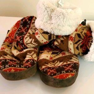MUK LUKS, worm slipper socks. Large.